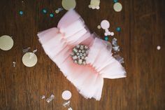 PRETTY tulle garter ~ Photography by Flory Photo