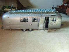 Franklin-Mint-Diecast-1968-Airstream-Travel-Trailer-die-cast