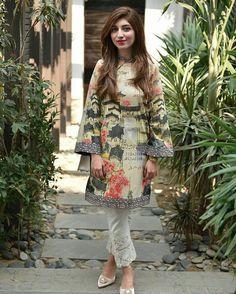 Pakistani Casual Wear, Pakistani Outfits, Indian Outfits, Trendy Dresses, Nice Dresses, Casual Dresses, Fashion Dresses, Asian Suits, Eastern Dresses