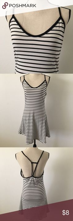 •black + white dress• really cute dress perfect  for the beach! this dress is a size medium(: let me know if you have any questions. make an offer Dresses Mini