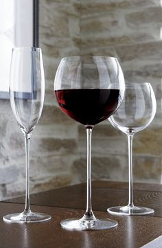 Camille Red Wine Glass - Crate and Barrel Long Stem Wine Glasses, Red Wine Glasses, Pinot Noir Wine, Wine Decor, Expensive Wine, Green Grapes, Wine Glass Set, Wine List, Wine Making