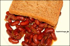 Braised beans with brown bread