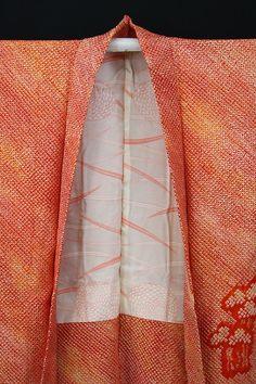 Vermilion Red Haori, Gradation / 朱赤グラデ地 総絞り絵羽柄の羽織