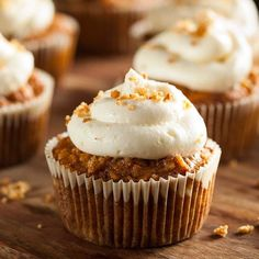You'll love this Easy Cream Cheese Frosting recipe! It is the best for frosting spice cakes, pumpkin cookies, pumpkin bars, carrot cake, and other cupcakes and cakes. Mini Carrot Cake, Carrot Cake Cupcakes, Cupcake Cakes, Cupcake Frosting, Carrot Cakes, Easter Cupcakes, Mini Cakes, Cream Cheese Cupcakes, Cupcakes With Cream Cheese Frosting