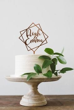 Geometric Cake Topper for Wedding, Personalized Wedding Cake topper with Names, Names Cake Topper, Wedding Cake decor, Cake Topper Wedding - Cake Decorating Writing Ideen Engagement Cake Toppers, Engagement Cakes, Winter Onederland, Wedding Topper, Wedding Cakes, Geometric Cake, Golden Cake, Happy Birthday Cake Topper, Modern Birthday Cakes