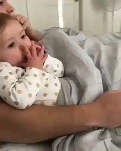 So Cute Baby, Cute Funny Baby Videos, Cute Funny Babies, Cute Baby Pictures, Funny Videos For Kids, Funny Kids, Cute Kids, Diy Funny, Videos Funny