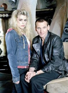 "On this day in a mysterious man took Rose Tyler by the hand… ""Run!"" Christopher Eccleston and Billie Piper brought back the greatest show in all of time and space, 12 years ago today! Doctor Who Tv, Ninth Doctor, First Doctor, Christopher Eccleston, Billie Piper, Matt Smith, Sherlock, Serie Doctor, Rose And The Doctor"