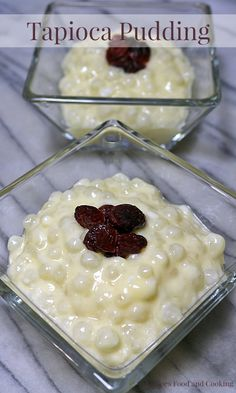 Sounds look my grandmas Tapioca Pudding made with tapioca pearls that are soaked overnight in a creamy, light vanilla pudding. Sago Pudding Recipe, Keto Pudding, Malva Pudding, Avocado Pudding, Pudding Recipes, Chia Pudding, Old Fashioned Tapioca Pudding Recipe, Jello Pudding Desserts, Philipinische Desserts