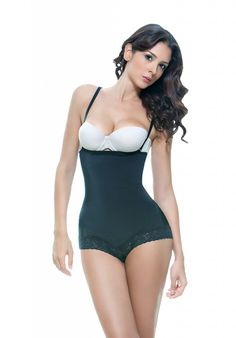 342436a05 Feel Foxy - Scarlett Latex Shaper with Lace Trim