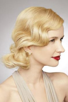 Could be really pretty with an old 1920's style brooch in the hair