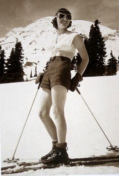 Vintage ski girl. Dem boots!