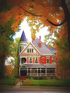This makes me think of putting all kinds of colors on a house like this 2122 Victorian House Wabash College - campus & architecture Crawfordsville Indiana by Badger Victorian Architecture, Amazing Architecture, Modern Architecture, Beautiful Buildings, Beautiful Homes, Woman Painting, Historic Homes, Victorian Homes, Vintage Homes