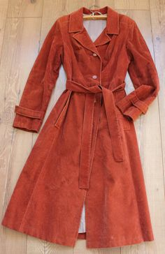 FREE SHIPPING // Real vintage unique original elegant brocade woman coat with belt // free scarves - pinned by pin4etsy.com