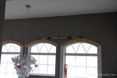 Leveling the arch window trim