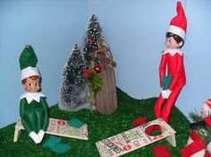 This fun game is the perfect size for your Elf on the Shelf or Barbie dolls!  The photos show games that I have made for past customers and represent the Holiday theme for this set. **ONLY ONE SPOT LEFT TO ORDER THESE FOR THIS CHRISTMAS SEASON!  I can even add a name or initials if desired! Send me a message if you would like to add names and I will contact you back to make sure we agree on the product before it is shipped.  Game includes:  2 wooden game platforms 4 bean bags in one color 4…