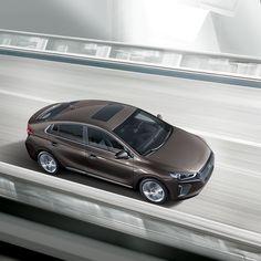 다이나믹한 #드라이빙 으로 #운전 의 #즐거움 을 배로 선사하는 국내 #최초 #친환경 #전용차 #아이오닉  #IONIQ , the #first car for a #hybrid delivers much more #fun #experience with the #dynamic #driving  #Hyundai #motor #car #eco #khaki_brown #brown #drive #wheel #daily #현대자동차 #하이브리드 #차키브라운 #드라이브 #자동차 #자동차그램