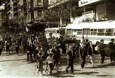 Los estudiantes se manifiestan en el centro de Montevideo y no tardarían en tener su primer mártir, Liber Arce, en aquel convulsionado 1968.  Canillita: enero 2012