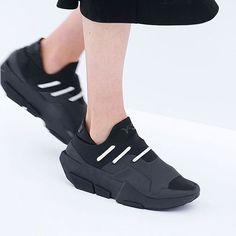 #ckinspiration   experimental aesthetic @adidasy3 @stephanie.saris ・・・ #footweardesign #shoedesign #conceptkicks #ckinspiration #industrialdesign #shoeporn #sneakerporn #productdesign #igdaily #instakicks #instagood #igsneakercommunity