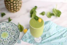 The Perfect Green Lactation Smoothie For Weight Loss While Breastfeeding | The Postpartum Cure