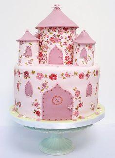 Castle Cake by Nevie-Pie Cakes