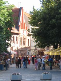 The nice and car free old city center of Riga - by TravEllenineurope.com