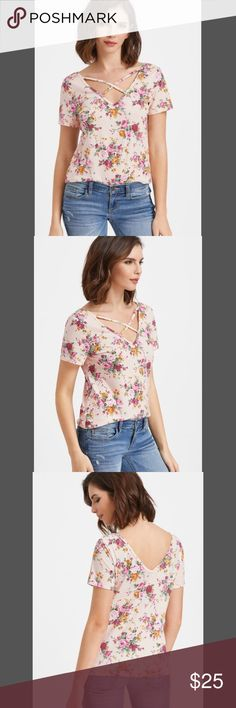 ✨Sale✨Crisscross V Neck Floral Print T-shirt Crisscross V Neck Floral Print T-shirt Length(cm) : XS:59cm, S:60cm, M:61cm, L:62cm Sleeve Length(cm) : XS:17.5cm, S:18.5cm, M:19.5cm, L:20.5cm Bust(cm) : XS:88cm, S:92cm, M:96cm, L:100cm Cuff(cm) : XS:31cm, S:32cm, M:33cm, L:34cm Shoulder(cm) : XS:36cm, S:37cm, M:38cm, L:39cm Size Available : XS,S,M,L Fabric : Fabric has some stretch Season : Summer Pattern Type : Floral Sleeve Length : Short Sleeve Color : Pink Material : 95% Polyester, 5%…