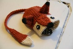 Foxy key cozy- Free Crochet Pattern by Susanne Madsen. Crochet Fox, Love Crochet, Crochet Gifts, Amigurumi Patterns, Knitting Patterns, Crochet Patterns, Yarn Crafts, Sewing Crafts, Crochet Key Cover