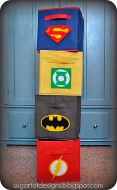 DIY Superhero Fabric Storage Bins {full Tutorial and FREE Printable logos!) for boys superhero bedroom theme! Avengers Room, Hero Crafts, Ribbon Storage, Storage Bins, Storage Cubes, Fabric Storage, Craft Storage, Storage Solutions, Storage Ideas
