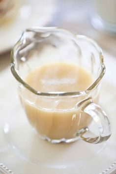 Vanilla Syrup for Pancakes Vanilla Sauce, Vanilla Syrup, Vanilla Cream, Homemade Syrup, Homemade Vanilla, Breakfast Dishes, Breakfast Recipes, Breakfast Ideas, Dessert Sauces