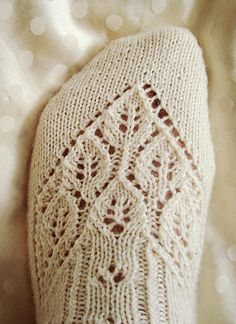 Lingerie sock : Knitty First Fall 2011 LOVE these socks! Lace Knitting, Knitting Socks, Knit Crochet, Knit Socks, Finger Knitting, Crochet Socks, Knit Cowl, Crochet Granny, Hand Crochet