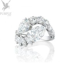 "This London by De Beers London View Ring totally screams ""bespoke"". Wear it together with the London View Necklace and you'll be the ""Belle"" of the crowd. Unique Diamond Rings, Diamond Bands, Diamond Heart, Diamond Jewelry, High Jewelry, Luxury Jewelry, Stud Earring Storage, Diamond Stores, Minimalist Necklace"