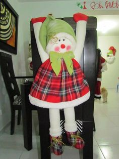 forro de de silla de nieves Christmas 2016, Christmas Time, Christmas Crafts, Christmas Decorations, Holiday, Chair Covers, Snowman, Merry, Creative