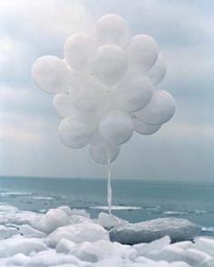 ♀White Balloons