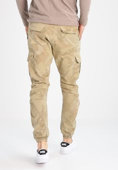 86efab81f8419e Urban Classics Cargo trousers - sand - Zalando.co.uk Khaki Pants
