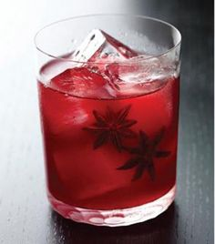 ETOILE DE CANNES Featuring blood orange juice and cherry puree, now that's my kind of drink. Christmas Drinks, Holiday Drinks, Party Drinks, Fun Drinks, Yummy Drinks, Alcoholic Drinks, Beverages, Winter Sangria, Winter Drinks