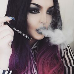 Loving my new strawberry flavored @magicstickofficial e-hookah