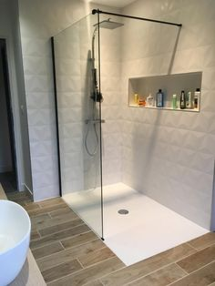 Best Bathroom Designs, Bathroom Design Luxury, Simple Bathroom, Modern Bathroom Design, Downstairs Bathroom, Bathroom Layout, Master Bathroom, Ideas Baños, Shower Remodel