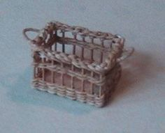 Tutorial for how to make miniature baskets plus useful overview of basket weaving techniques/patterns