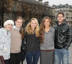 Jessa Duggar and Ben Seewald Honeymoon in Paris Photo: Hanging Out With Fans in France! - The Hollywood Gossip