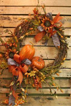 DIY fall decor,DIY fall decorations for home,pumpkins decor ideas,pumpkins crafts,thanksgiving decorations Diy Fall Wreath, Autumn Wreaths, Holiday Wreaths, Wreath Ideas, Halloween Wreaths, Fall Door Wreaths, Bridal Wreaths, Fall Diy, Thanksgiving Wreaths