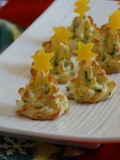 Alberelli di patate, antipasto natalizio Christmas Lunch, Christmas Cooking, Christmas Treats, Antipasto, Cute Food, Yummy Food, Cooking Time, Cooking Recipes, Xmas Food