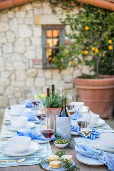 Italian Party Decorations, Summer Party Decorations, Table Decorations, Wine Parties, Outdoor Parties, Outdoor Entertaining, Garden Parties, Dinner Party Table, Dinner Club