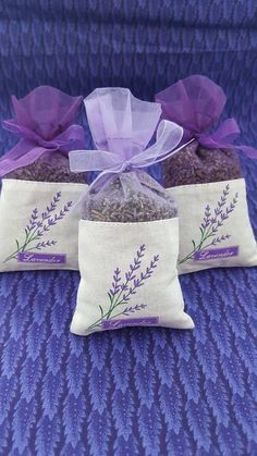 Sugar Scrub Diy Discover 30 pack French Lavender Sachets great for wedding toss wedding favors baby showers gift giving drawers closets bug repellent Lavender Crafts, Lavender Bags, Lavender Sachets, Scented Sachets, Lavender Scent, Lavender Flowers, Embroidery Patterns, Hand Embroidery, Sachet Bags