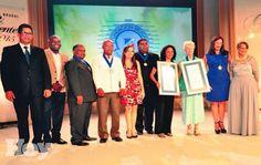 En ocasión de la entrega de los Premios Brugal Cree en su Gente, en su XXIV edición, el presidente Danilo Medina expresó sinceras congratulaciones a los galardonados