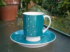 STUNNING RETRO CMIELOW GREEN STIRIPED CUP AND SAUCER IN GOOD CONDITION