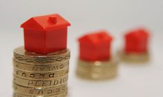 Average UK mortgage debt rises to But Bank of England argues that rising wages and low inflation mean that homeowners could cope with rising interest rates Mortgage Fees, Refinance Mortgage, Bank Of England, Interest Rates, House Prices, Being A Landlord, Debt, The Borrowers, Class Ring