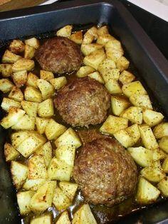Greek Recipes, New Recipes, Greek Meals, Cookbook Recipes, Cooking Recipes, Food Decoration, Sausage, Pork, Gastronomia
