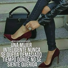 @mujeresdoradas Por supuesto que no porque sabemos lo que merecemos 👑🐝 #mujerdorada #soymujerdorada #motivacion #frases #emprendimiento… Babe Quotes, Woman Quotes, Qoutes, Amazing Inspirational Quotes, Women Empowerment Quotes, Savage Quotes, Motivational Posts, Sex And Love, Mo S