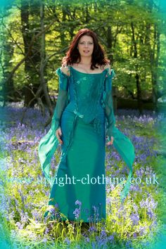 Uptight Clothing-love the dragonflies Turquoise Wedding Dresses, Fairytale Gown, Medieval Fashion, Gorgeous Fabrics, Prom Dresses, Formal Dresses, Looking Stunning, Occasion Dresses, Skirt Fashion