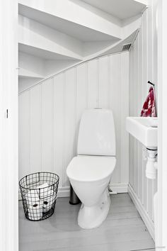 Solutions For Guest, Bathroom Under Stairs 13 Boho Bathroom, Modern Bathroom, Small Bathroom, Bathroom Ideas, Bathroom Remodeling, Bathroom Under Stairs, Downstairs Toilet, Tiny Bathrooms, Bathroom Interior Design
